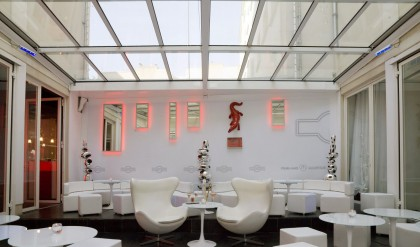 les toitures coulissantes pour les restaurants et h tels toiture ouvrante habitat et v randas. Black Bedroom Furniture Sets. Home Design Ideas