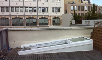 Acc s toits terrasses et toitures coulissantes toiture for Edicule toiture terrasse