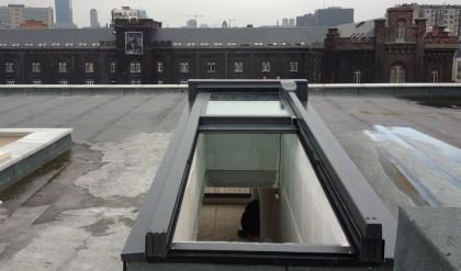 acc s toits terrasses et toitures coulissantes toiture ouvrante habitat et v randas. Black Bedroom Furniture Sets. Home Design Ideas